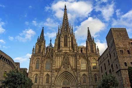 gotico: Catedral de la Santa Cruz y Santa Eulalia en Barcelona Cataluña España Foto de archivo