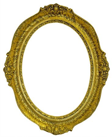 Antiguo marco ovalado dorado aislado sobre fondo blanco.
