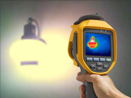 Recording whit Thermal camera, Lighted classic lamp on the wall