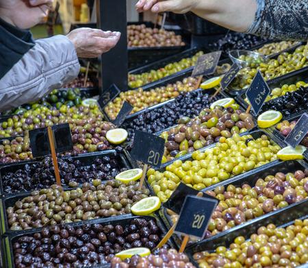 Rich olive varietes Banque d'images - 118387544