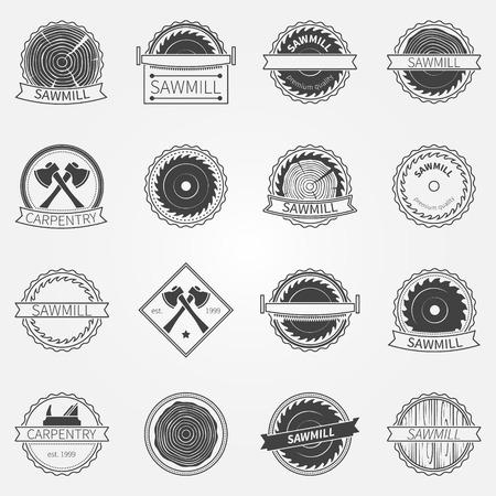 제재소 라벨 및 배지 - 어두운 제재소이나 목공 로고 또는 상징의 벡터 집합 일러스트