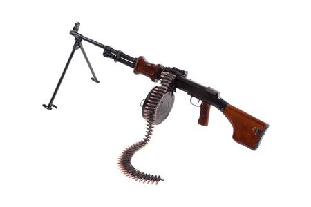 machine-gun: machinegeweer met munitie ketting geïsoleerd op witte achtergrond Stockfoto