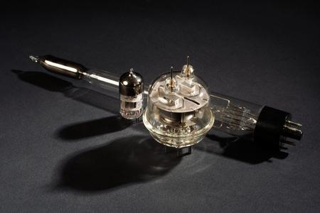 old vacuum tube on black background Banque d'images