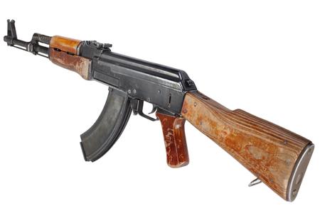 Raro primer modelo AK - 47 rifle de asalto aislado en blanco