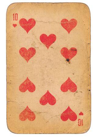 Zehn von Herzen alte Grunge-Sowjet-Stil-Spielkarte isoliert auf weiß