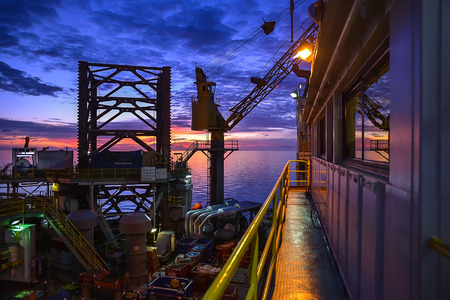 jack up: Jack up oil rig with twilight sky in the Guld of Thailand