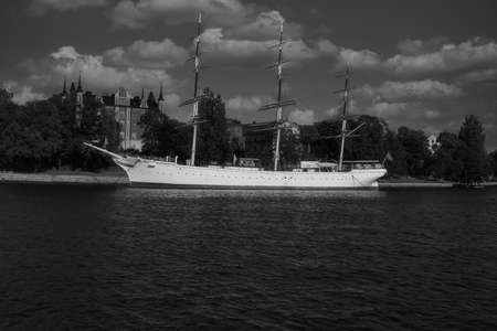 A vintage sail on the bay in the city in Stockholm. Stock fotó - 153214681