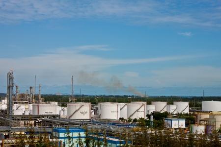 petrochemical plant Stock Photo - 11951598