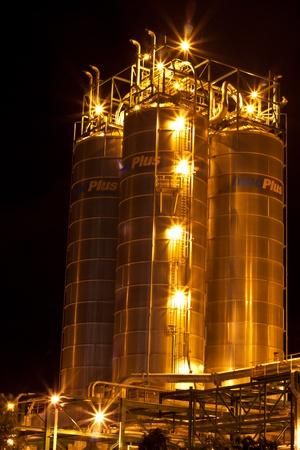 petrochemical plant Stock Photo - 11951610