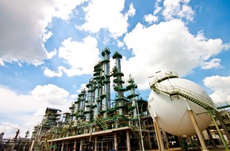 column tower in petrochemical plant Standard-Bild