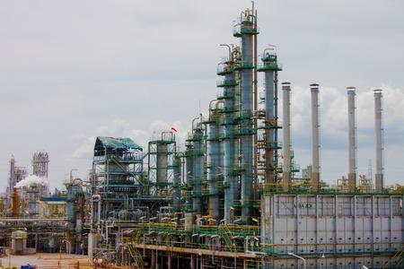 distillation of petrochemical plant