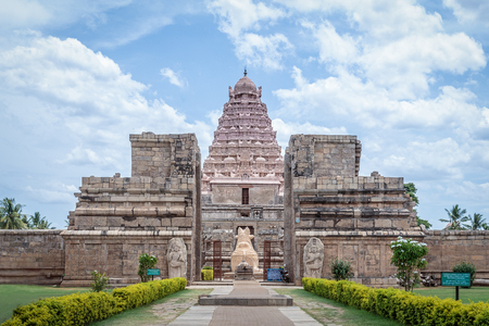 god's cow: Ancient Hindu temple of Shiva in Tamil Nadu, India Stock Photo