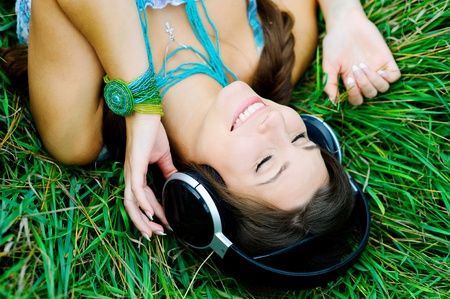 color therapy: Young woman listening to music