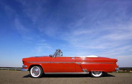 Red Classic Car Standard-Bild