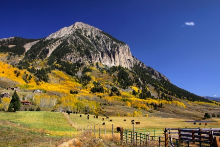 butte: Crested butte