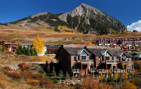 butte: Beautiful homes on the hill near Crested butte in Colorado