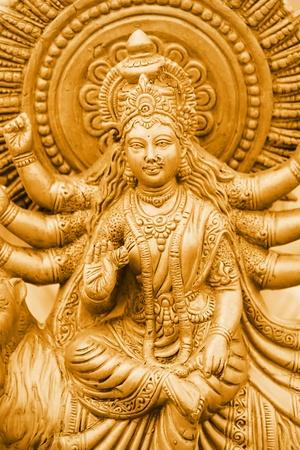ゴールド カラーのヒンズー教の女神カーリーの像