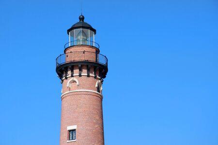 lake michigan lighthouse: La pequeña casa de Sable punto luz