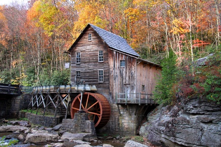 Casa abandonada por el mil de molienda de Glade creek Foto de archivo