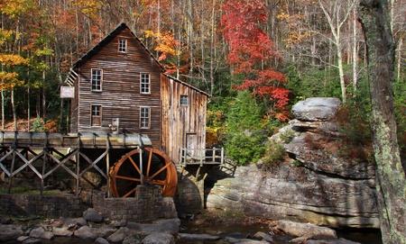 molino de agua: Casa abandonada por el mil de molienda de Glade creek