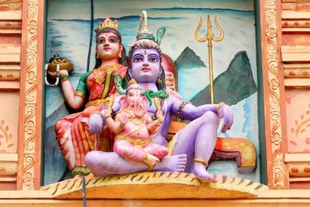 Hindu god lord Shiva, Godess Parvathi and Ganeha statues Stock Photo - 11972442