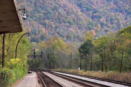 appalachian mountains: Train track in Appalachian mountains