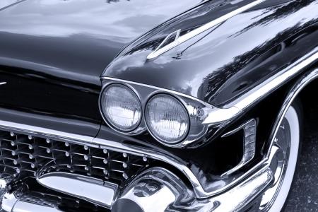 auto old: Parte delantera del coche clásico Editorial