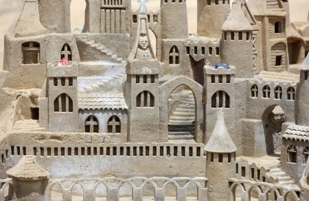 moulded: Bellamente castillo de arena moldeada en la playa Foto de archivo