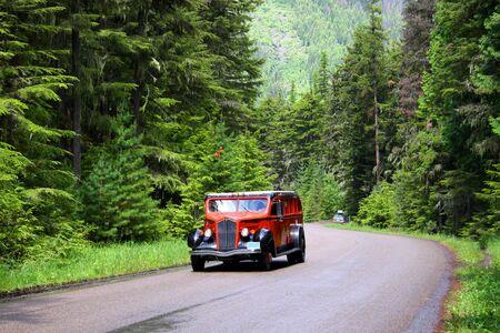 Glacier national park bus tour