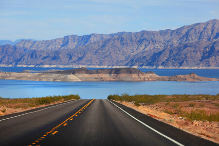 mead: Scenic drive to Lake Mead