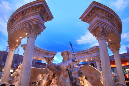 caesars palace: Statue in Caesars palace