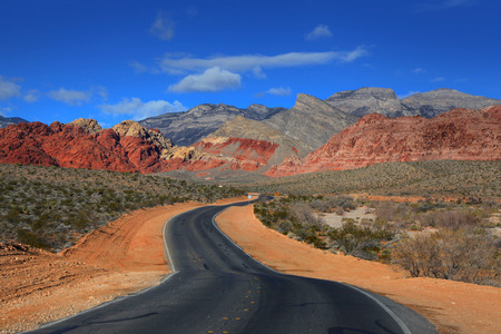 mojave desert: Road to Red rock canyon