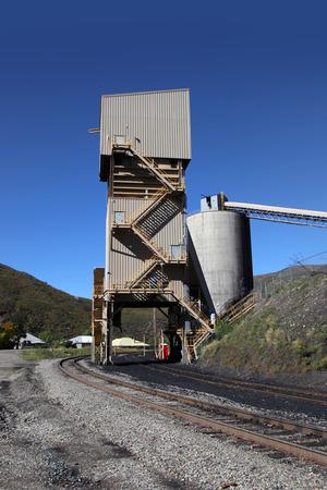 conveyor rail: Train tracks coal dispenser in mines