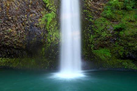 crick: Parte inferiore di acqua Multnomah cade in Oregon