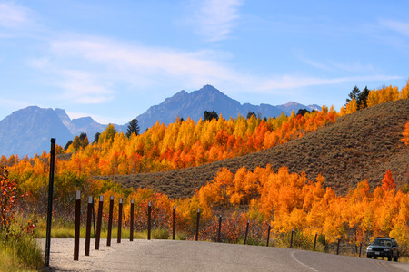 oxbow bend: Grand Tetons from Oxbow bend in autumn time