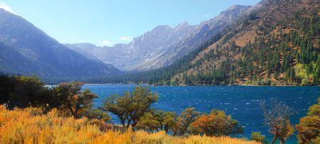 nevada: Twin lakes landscape in Sierra mountains