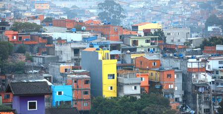 america del sur: Las favelas de hacinamiento en Sao Paulo, Brasil