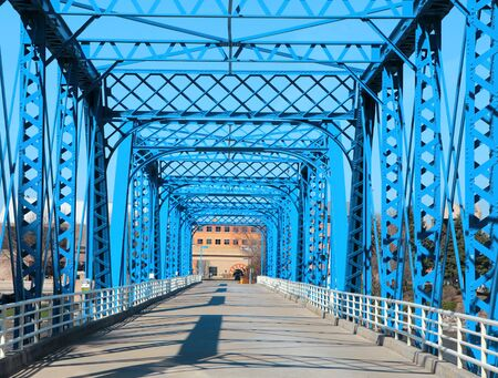 Walking bridge at Grand Rapids, Michigan 版權商用圖片