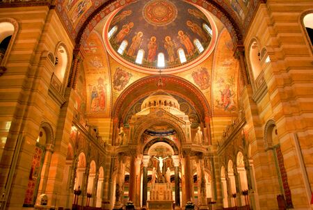 sq: Saint louis - April 29 :Cathedral Basilica of Saint Louis, decorated with 41.5 million mosaics,Covering 83,000 sq ft , is the largest mosaic collection in the world . April 29,2016 Saint Louis, USA Stock Photo