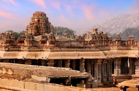 Zabytkowa świątynia Vijaya Vittala w runach Hampi w Indiach Zdjęcie Seryjne