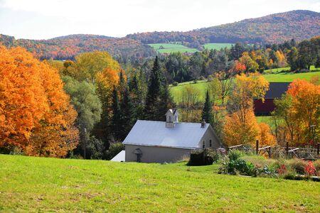 Rural Vermont landscape in Autumn time 免版税图像