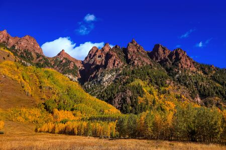 Scenic autumn landscape near Aspen colorado Фото со стока