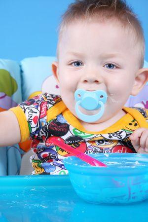 baby's dummies: Child dines