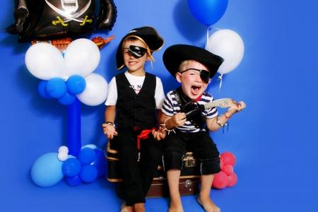 calavera pirata: Dos piratas