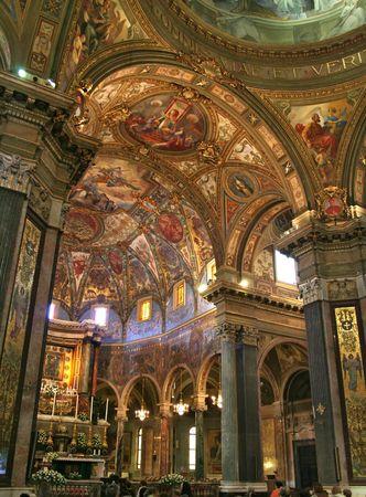 ornamentations: Interiore della chiesa della nostra signora di Pompeii, vicino a Napoli, in Italia