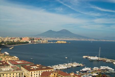 A panoramę Zatoki Neapol, Włochy, z Mt. Vesuvius w tle Zdjęcie Seryjne - 1559014