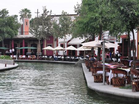 paseo: Paseo Santa Lucia, Monterrey, Mexico