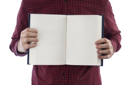 cristianismo: Hombre que sostiene el libro abierto aislado en blanco