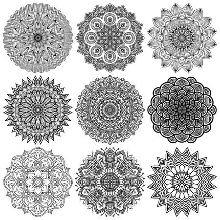 マンダラ。丸い飾りのパターン。ヴィンテージの装飾的な要素。手描きの背景。イスラム教、アラビア語、インド、オスマンのモチーフ。  イラスト・ベクター素材