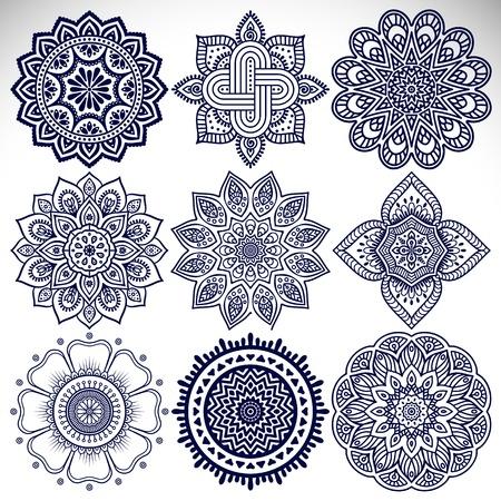 Ornamento tarjeta hermosa con la mandala. Elemento círculo geométrico hecho en vector Foto de archivo - 41509243